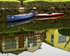 do u canoe? (Maureen Bond) Tags: venice ca waterways venicecanals reflection water canoe kayak walkway homes houses buches losangeles maureenbond