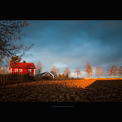 once (stella-mia) Tags: autumn sunset sun fall norway lumix redhouse panasonic explore pancake 20mm frontpage gf1 hightlight dmcgf1 veslelien