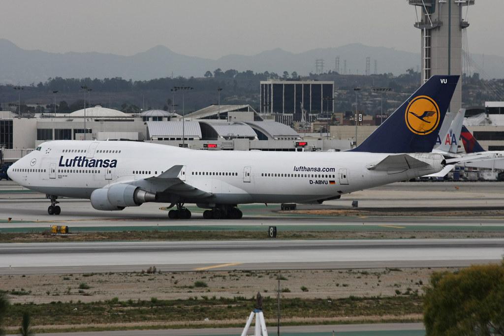 Lufthansa Boeing 747-400