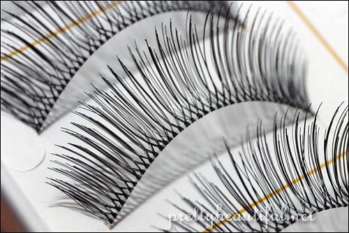 DJ Brand Handmade Eyelashes (DJ-12) Up Close