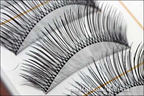 DJ Brand Handmade Eyelashes (DJ-12) Up Close