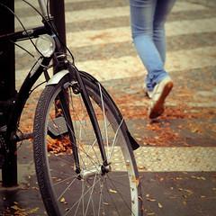 Goodbye Autumn (Federica Mu ) Tags: street autumn paris leaves bike 50mm mood dof fallen goodbye georgesand