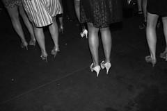 (_Meii) Tags: party blackandwhite blancoynegro pie dance shoes baile tobillo meiidimonaco