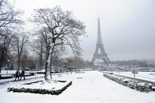 FRANCE-SNOW-PARIS