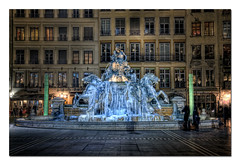 Epoque glaciale 3 (Bartholdi) (3 tiff) Tags: france nikon lyon placedesterreaux d90 photomatix hdr3raw