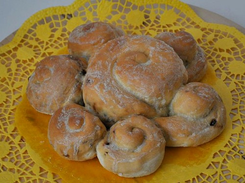 Sunwheel - filled with cranberries and pine nuts