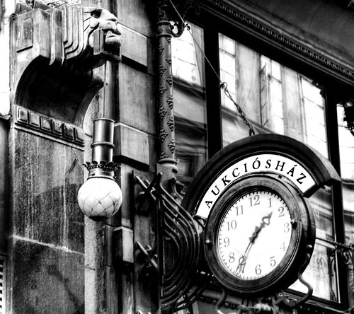 Lion and clock. Budapest. León y reloj