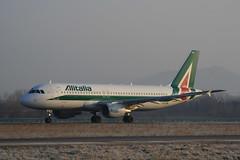 "Alitalia Airbus A320-216 EI-DTM ""Giuseppe Ungaretti"""