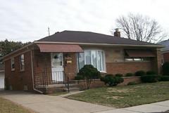 Palmer Ave. - Madison Heights (jamespdoran) Tags: ranch brick sold full madison heights