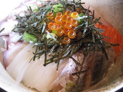 海の家 海鮮丼 美しい