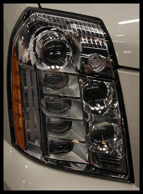 cadillac hybrid motorshow escalade 2011 autoexpo
