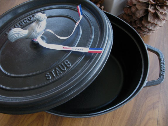 black staub french oven 004