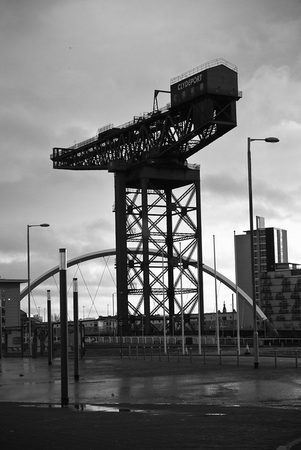 140111_ the Clydeport crane & Squinty Bridge #1