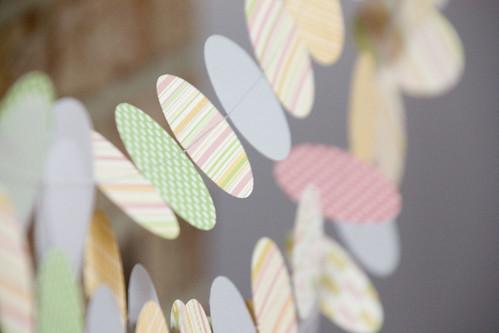 round paper garland