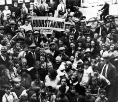 Huurdersstaking / Tenant strike protest (Nationaal Archief) Tags: poverty holland netherlands amsterdam 1936 nederland 1933 armoede vanhogendorpstraat tenantstrike huurdersstaking