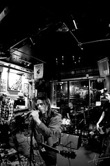 2011_01_07 0004 the GLEANERS (zimfo) Tags: mo kansascity entertainment kc firstfriday rockphotography bandphotography 1stfriday thegleaners ef15mmf28fisheye toddzimmer livebandphotography zimfo lawrencebands midwesternmusicalco 20110107