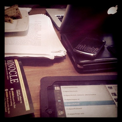 iPad, iPad, Blackberry, MacBook, Monocle on half a table: this is THE place
