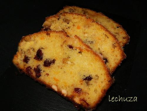 Cake arándanos y naranja-porciones cerca
