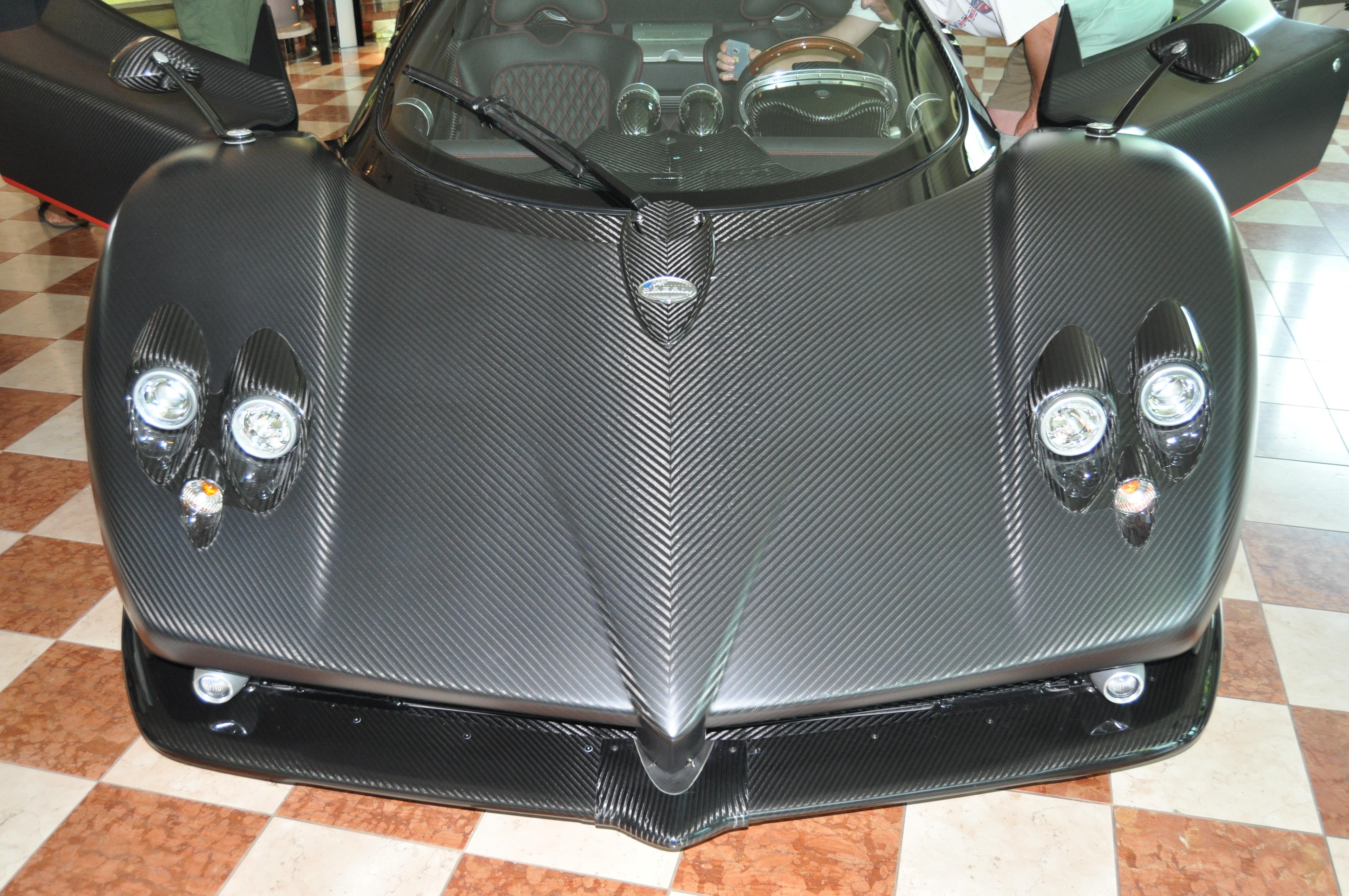 Pagani Zonda F mattcarbon(red stripe)/black interior #76090
