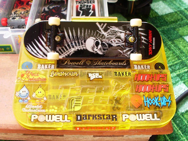 post your fingerboard case/box - Page 7 5383576978_e1a91bce07_z