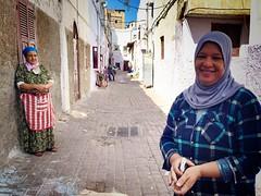 La Medina de las mujeres (yanitzatorres) Tags: musulman pauelo velo ciudad poblado calle medina casablanca morocco marroqu marruecos mujeres mujer