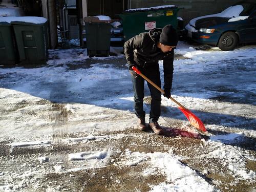 snow shovel kev