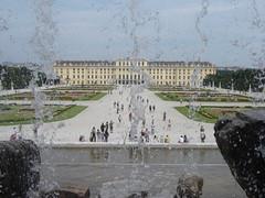 SCHONBRUNN 1 (ERIC STANISLAS 54) Tags: wien castle austria flickr kaiser chateau schloss osterreich castello elisabeth vienne rococo autriche sissi schonbrunn empereur hietzing habsbourg habsburger parcassi