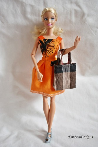 orange dress and burberry tote