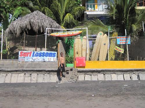 surf rental and surf lesson in el salvador el tunco