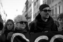 (Crola) Tags: roma slogan berlusconi manifestazione governo sfiducia 14dicembre2010