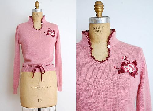 laissezrosesweater