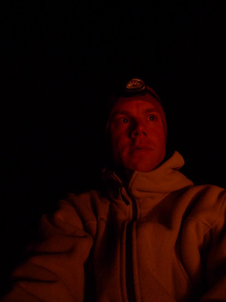 Martin i lys av bålet