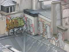 By Horf & Iconer (tofz4u) Tags: roof streetart paris graffiti tag toit 75004 beaubourg artderue ikone horf conie centregorgespompidou horph iconer
