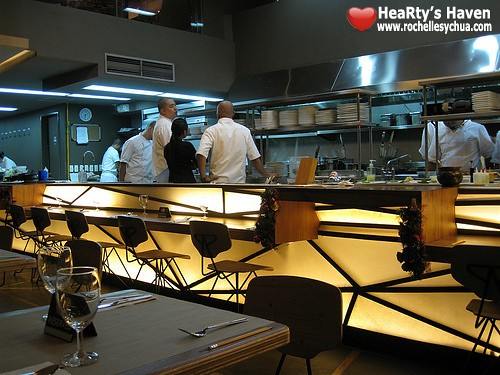 chefs table open kitchen