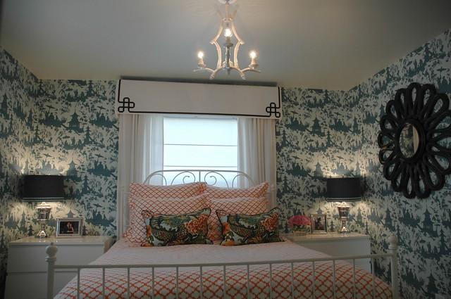 white cornice - plum cushion
