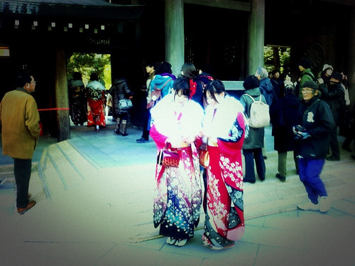 Kimono girls at Meiji shrine