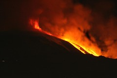 Etna in eruzione 12 gennaio 2011 - foto 4 (luigimarino) Tags: lava etna eruzione valledelbove colatalavica luigimarino 12gennaio2011