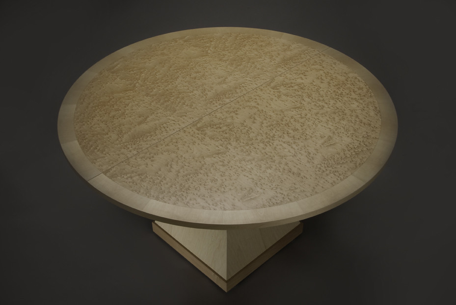 BirdsEyeMaple Pedestal Table