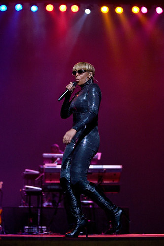 Mary J. Blige rocking  Seoul South Korea