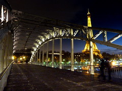 Debilly (Bernard l Hermite) Tags: light paris night toureiffel passerelle debilly quaibranly