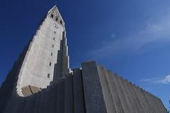 Island.2010 (doppelt blind) Tags: blue sky sun church clouds island iceland hallgrimskirkja himmel blau reykjavk hallgrmskirkja weitwinkel gtalaekkislensku
