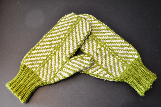 finished Strago mittens