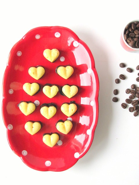 Cuori di Bianco e Fondente con ripieno di Arancia e Caffè