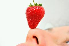 Has - ta - el- Cie - lo ! (@sentielinstante) Tags: sky white eye blanco face ojo eyes strawberry cara ojos cielo labios strawberrys frutilla frutillas uptothesky hastaelcielo