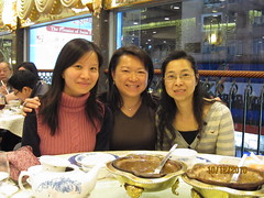 IMG_0127 (grace_ng_2004) Tags: family holy 101208