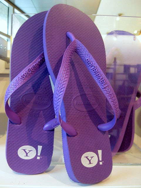 i am so impressed we have Yahoo! Havaianas!