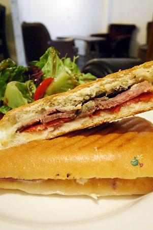 帕里尼 paninis 嫩烤沙朗牛肉