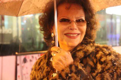 10l18 Tarde noche nieve Claudia Cardinale_0070 baja
