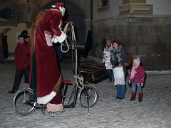Santa on Stilts - PC181348