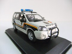 NISSAN X-TRAIL / DIRECCION GENERAL DE LA POLICIA (2006) - ALTAYA (RMJ68) Tags: cars toy nissan police 2006 coches policia xtrail juguete 143 diecast altaya scale143